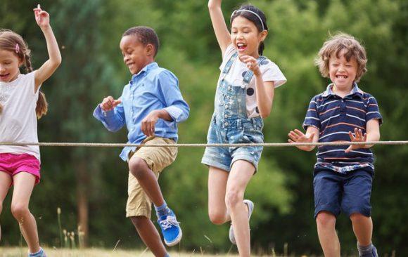 Férias: o que fazer com as crianças em casa? 13 brincadeiras saudáveis